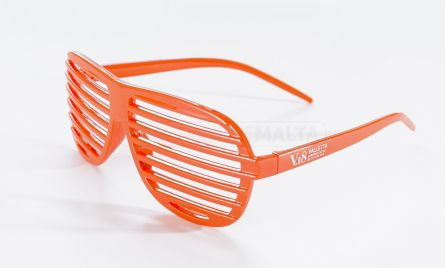 Promotional Sunglasses make great promotional summer giveaways. Great for festivals, travel as well as promotional campaigns. Our sunglasses come in great colours to catch your eye. Make your logo stand out with this perfect promotional giveaway, guaranteed to advertise your brand with every use.